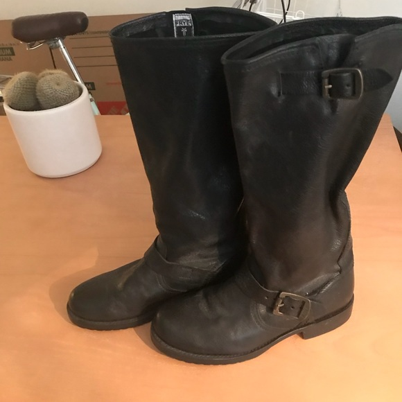 womens frye shoes size 7